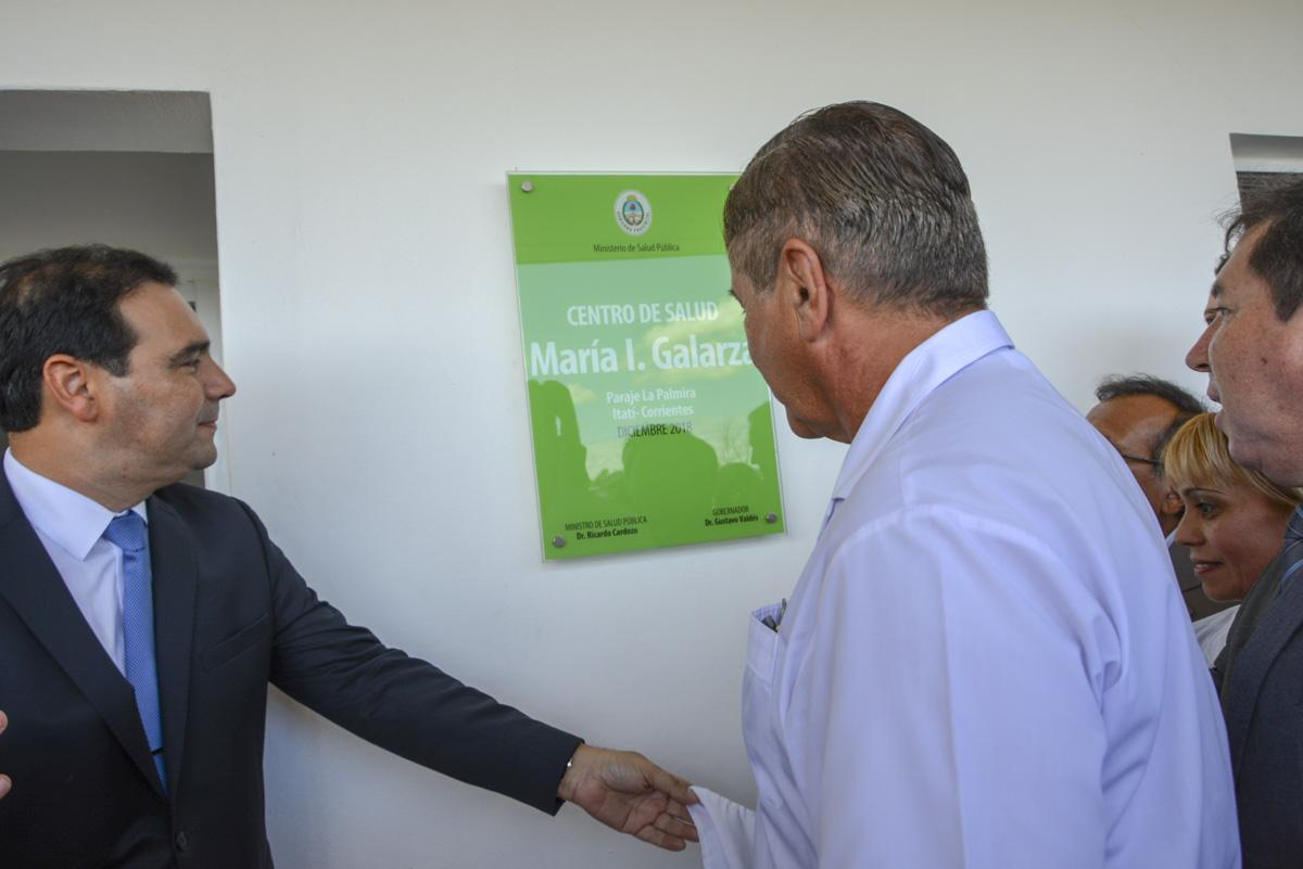 """El Gobernador inauguró la reconstrucción del Centro de Salud de La Palmira y el enripiado del """"atajo"""" a Itatí"""