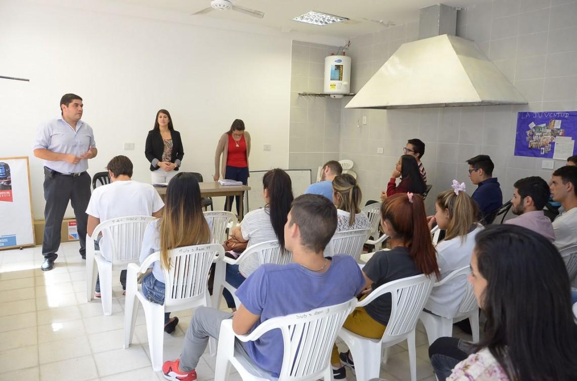 Unos 80 jóvenes iniciaran su entrenamiento en empresas correntinas