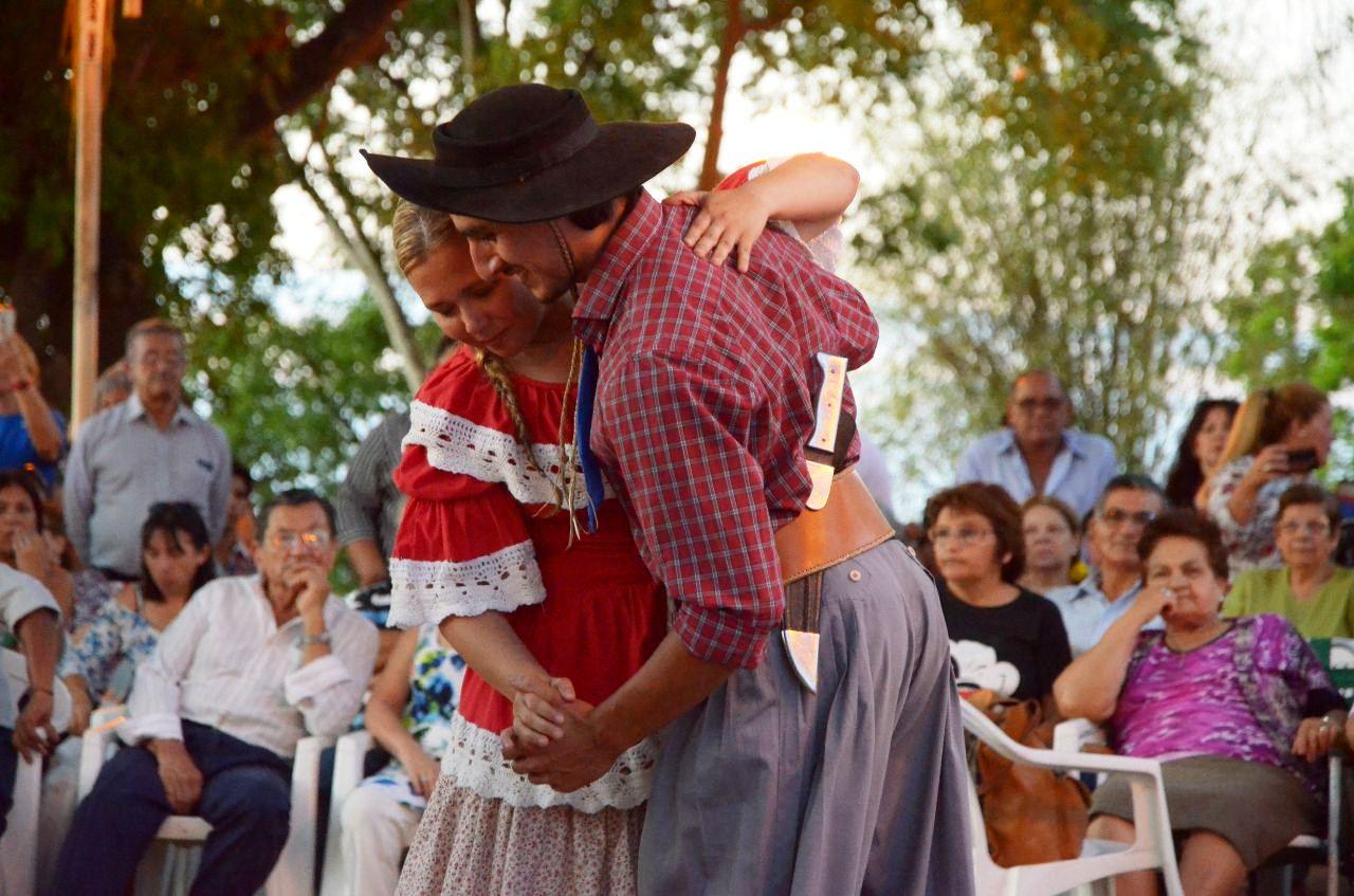 Folklore inclusivo en la Peña Oficial de la Ciudad