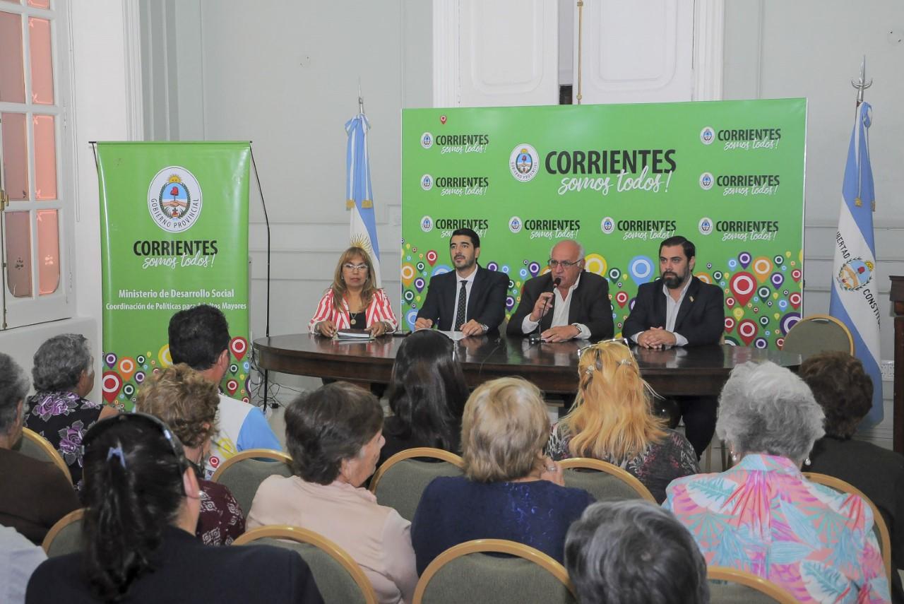 Desarrollo Social y Trabajo firmaron Convenio para capacitar en oficios a los Adultos Mayores