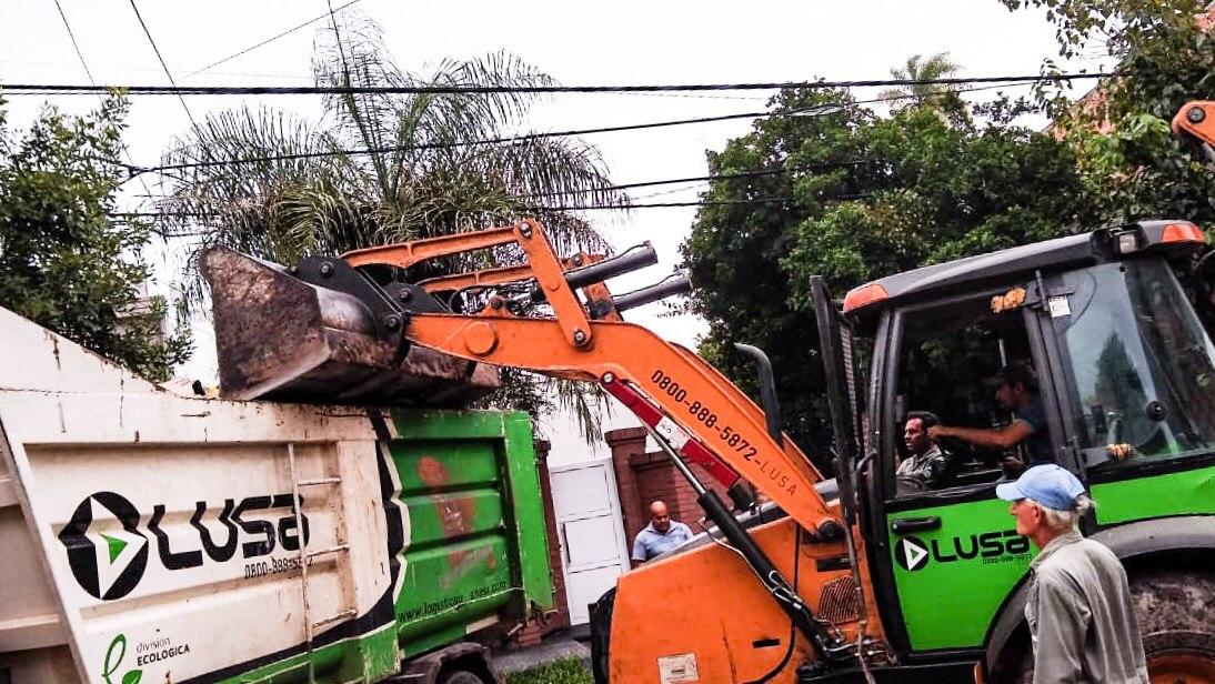 La Municipalidad realizó limpieza de minibasurales en el barrio Sur