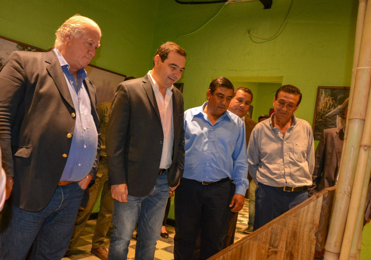 """Valdés entregó herramientas y anunció obras para fortalecer el perfil turístico de """"pueblo auténtico"""""""