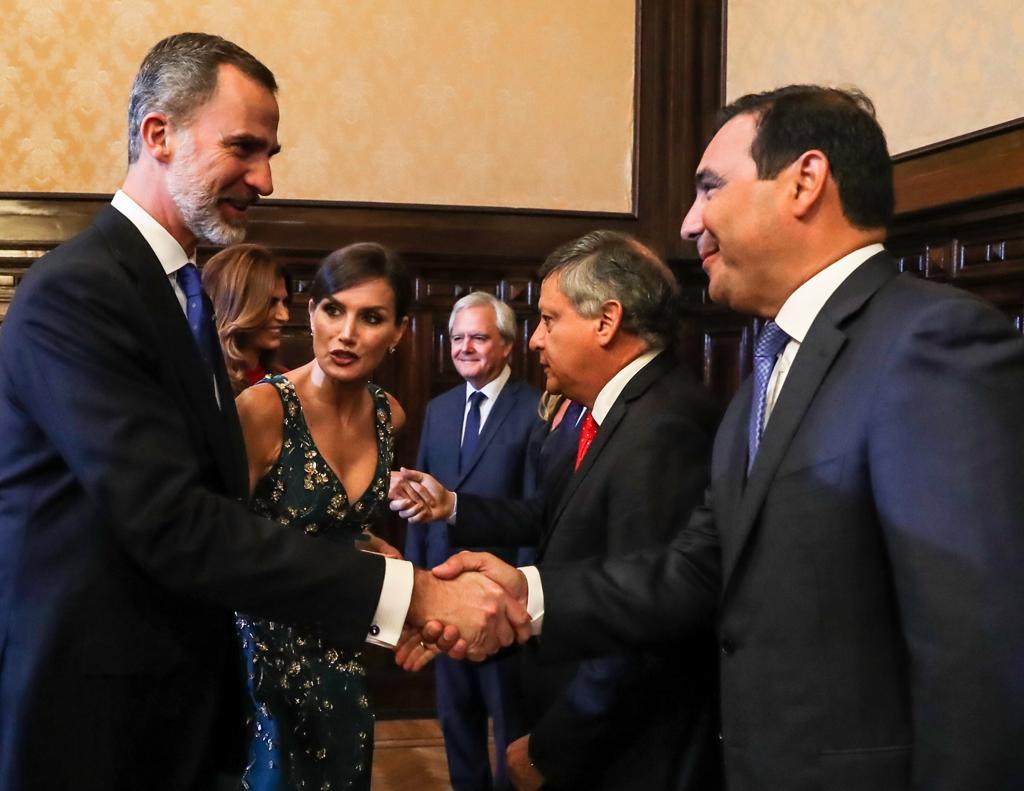 El gobernador Valdés saludó a los Reyes de España con expectativas de traer inversiones a Corrientes