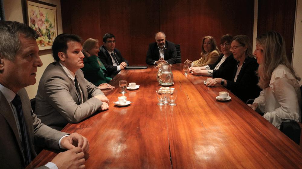 Derecho de la UNNE y Banco de Corrientes acordaron acciones de capacitación para estudiantes de grado y posgrado