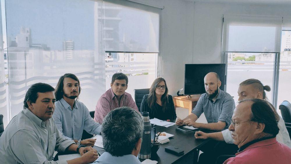 Benítez se reunió con empresarios interesados en invertir 12 millones de dólares en un parque solar fotovoltaico