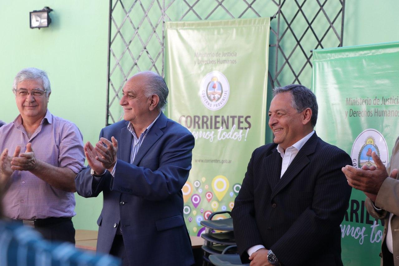 La Provincia entregó mobiliario a sedes del Registro Civil del interior