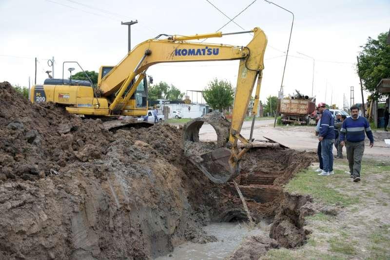 Una obra trascendental que beneficiará el escurrimiento del agua de la zona oeste de la ciudad