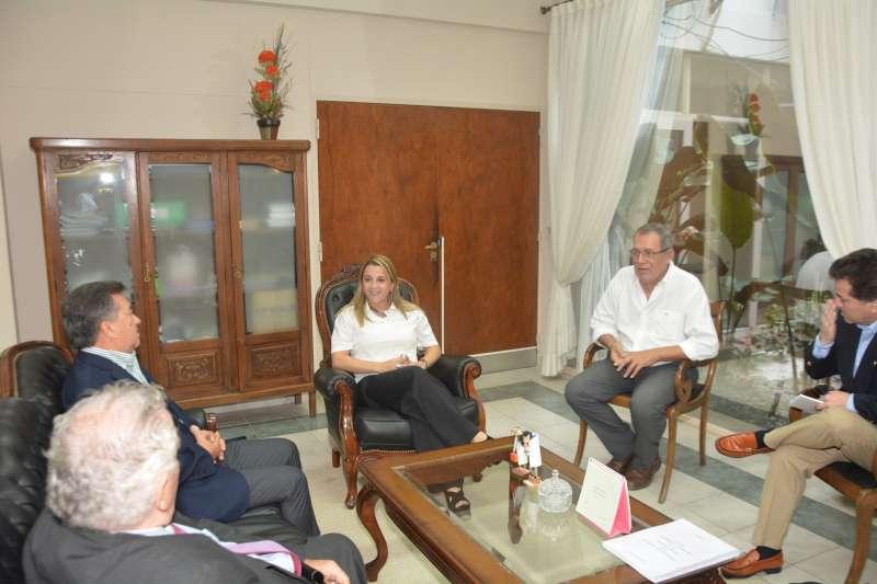 Presentaron a la Ministra de Educación un libro con 27 cartas de Manuel Belgrano a Elías Galván