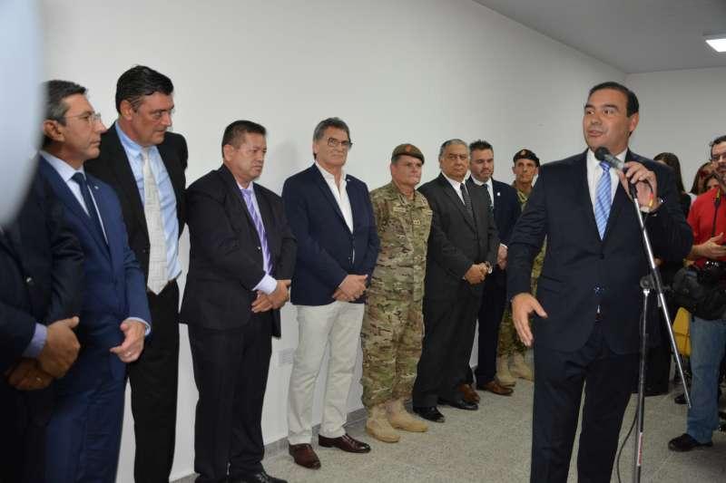 Valdés inauguró un Centro de Excombatientes en Ituzaingó y anunció que más héroes correntinos volverán a Malvinas