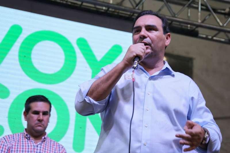 Ante una multitud en Curuzú Cuatiá, Valdés garantizó el funcionamiento del centro oncológico