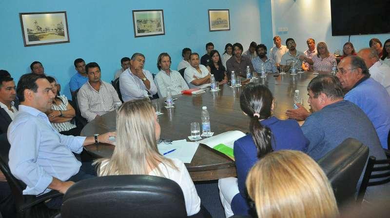El gobernador Valdés recibió inquietudes de las Escuelas EFAs de la Provincia