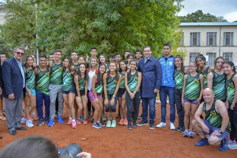 Valdés inauguró la nueva pista de atletismo del CEF 17 y anunció un Centro de Alto Rendimiento para Corrientes