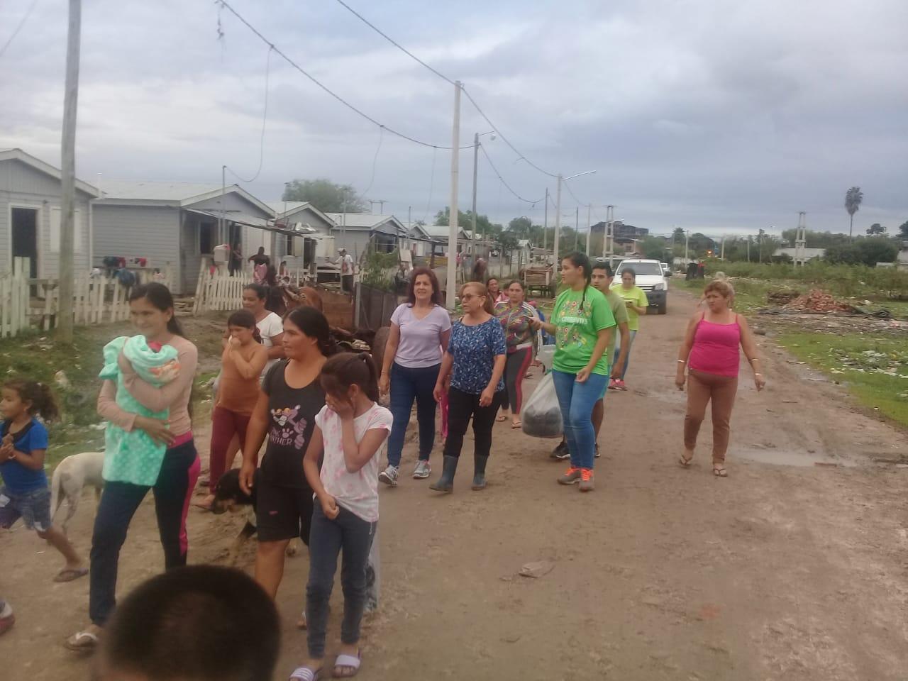 La Provincia acompaño a familias anegadas por temporal en Capital
