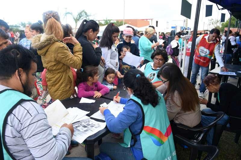 Delegaciones Móviles, multitudinario operativo integral en el barrio Irupé