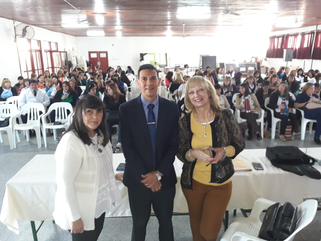 Jornada taller de educación y seguridad vial, con directivos y docentes de Goya