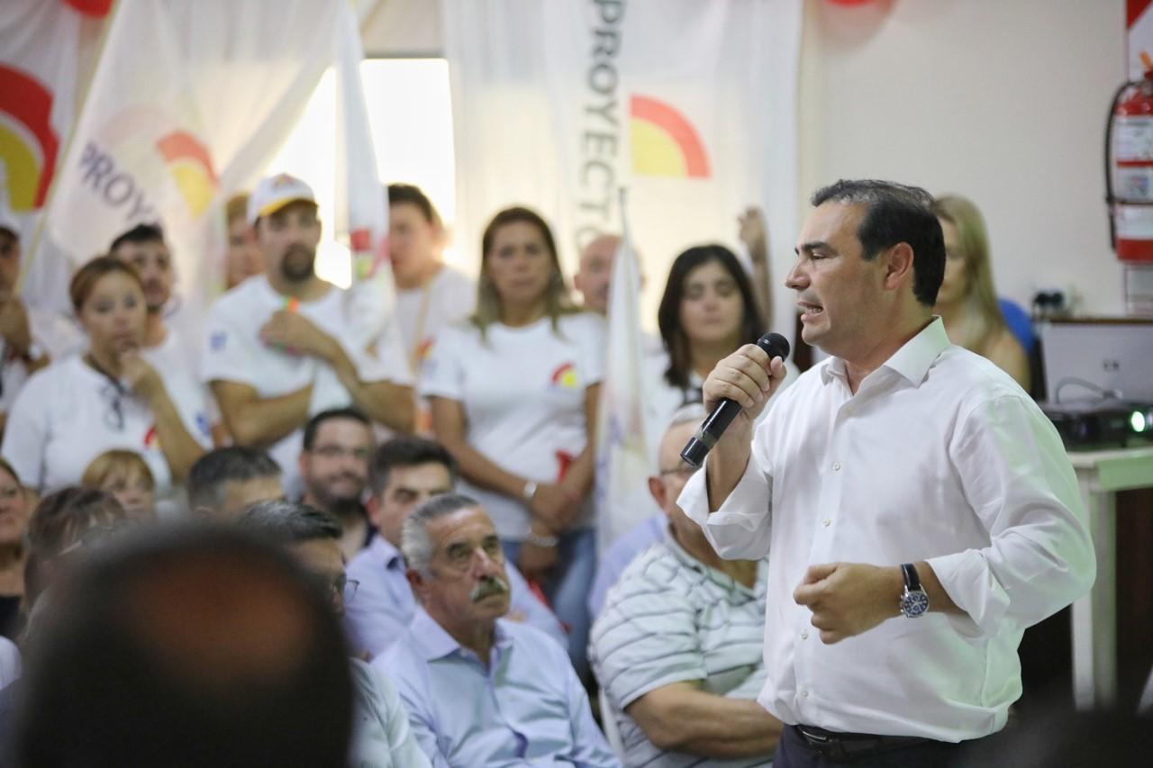 """Valdés """"esta amplia alianza de partidos, está formada, para mejorar la vida de la mujer y el hombre de Corrientes"""""""