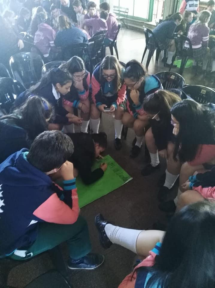 Adolescentes participaron de la charla sobre Noviazgo Saludable