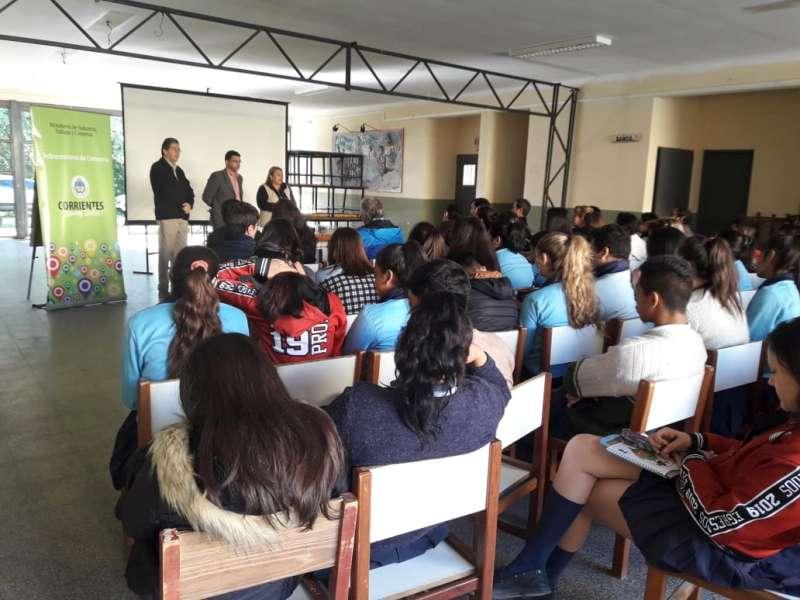 La Provincia llegó a San Cayetano con una capacitación en defensa del consumidor