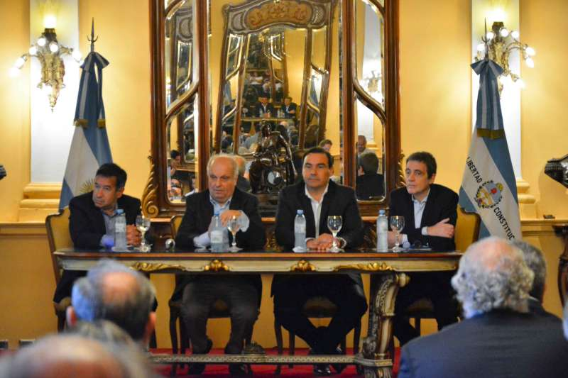Valdés y Lombardi firmaron convenios que dan un fuerte impulso a la cultura correntina
