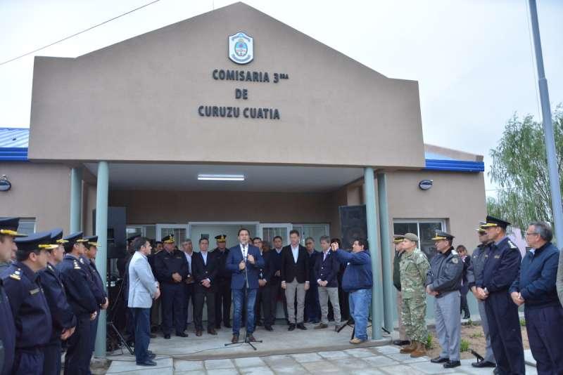 El Gobernador inauguró una nueva Comisaría y entregó equipamiento a dos CDI en Curuzú Cuatiá