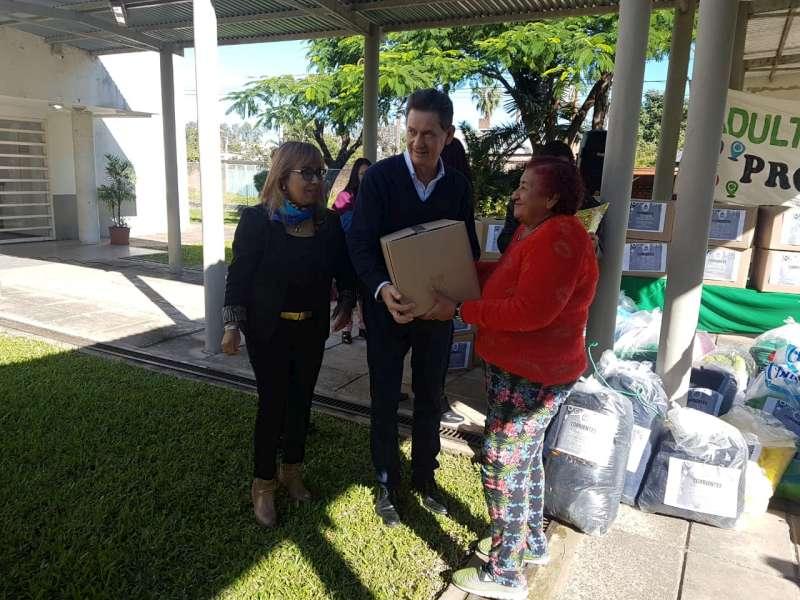 Diógenes González entregó insumos a los Clubes de Adultos Mayores