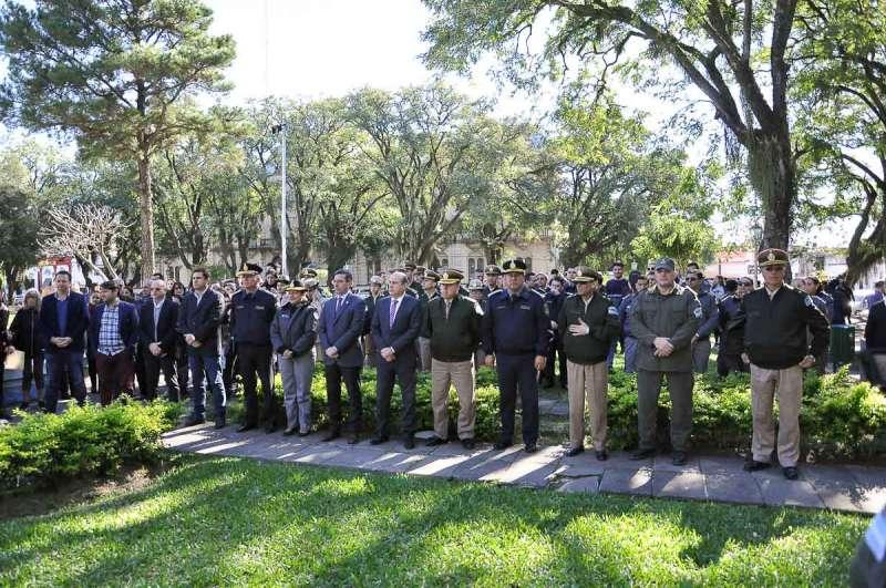 La Sinfónica de Gendarmería Nacional ofreció un concierto a cielo abierto en la Plaza 25 de Mayo