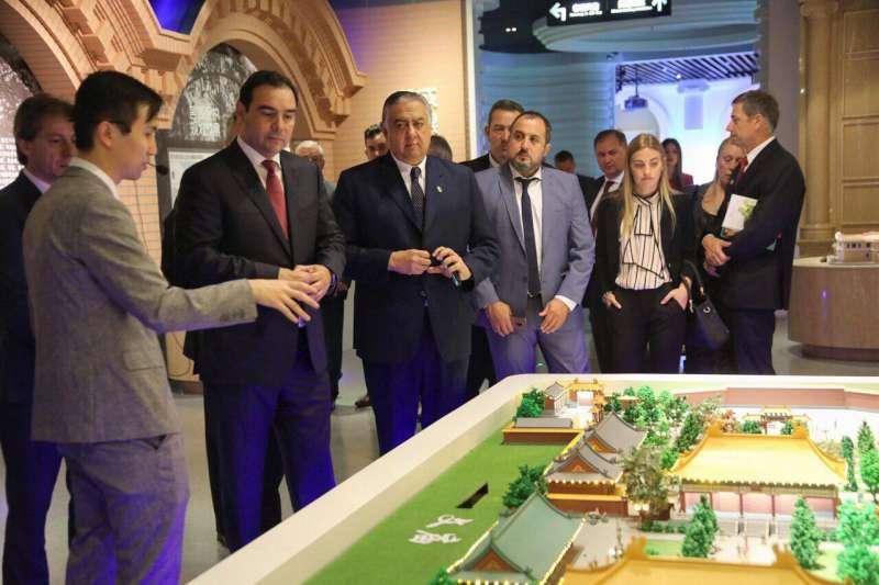 Valdés intensifica acciones para abrir mercados en China