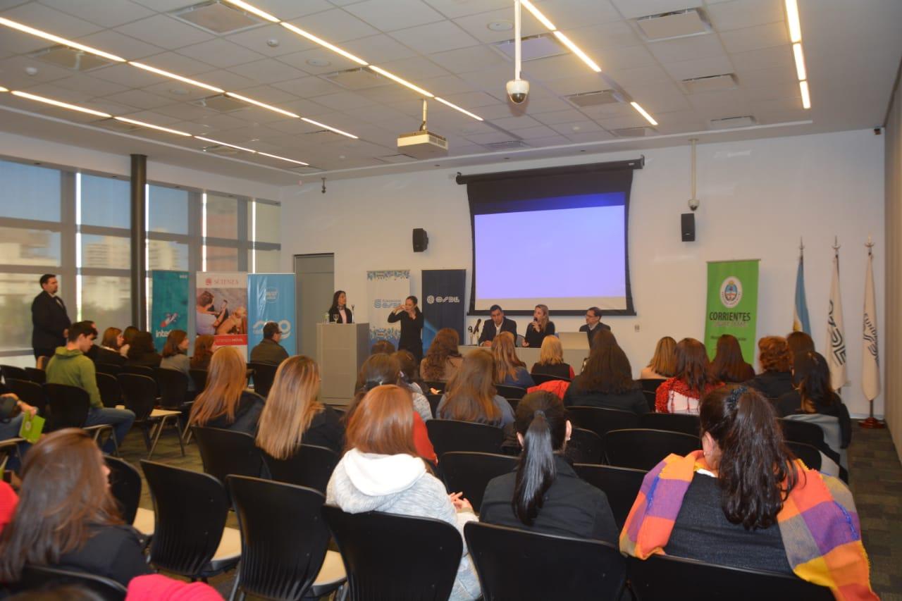 Apertura del ciclo de videoconferencias sobre la escuela y los derechos de los jóvenes y niños