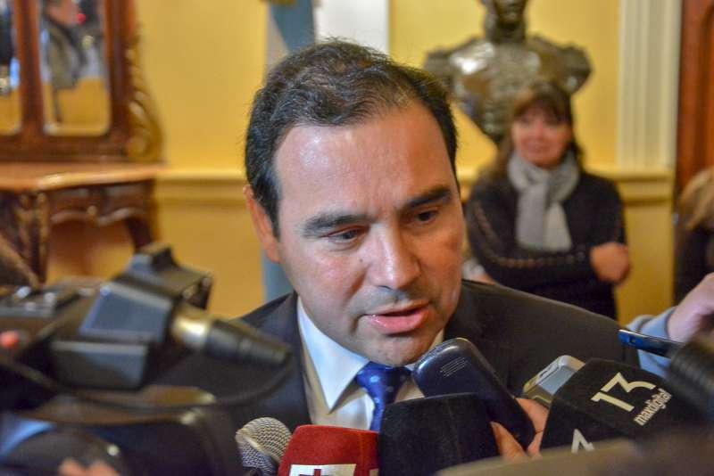 El Gobernador se refirió a la renovación de su Gabinete tras la conferencia brindada en Casa de Gobierno