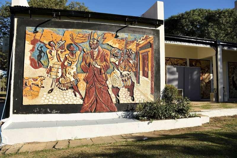 Culminaron los trabajos de restauración de murales en el parque Mitre