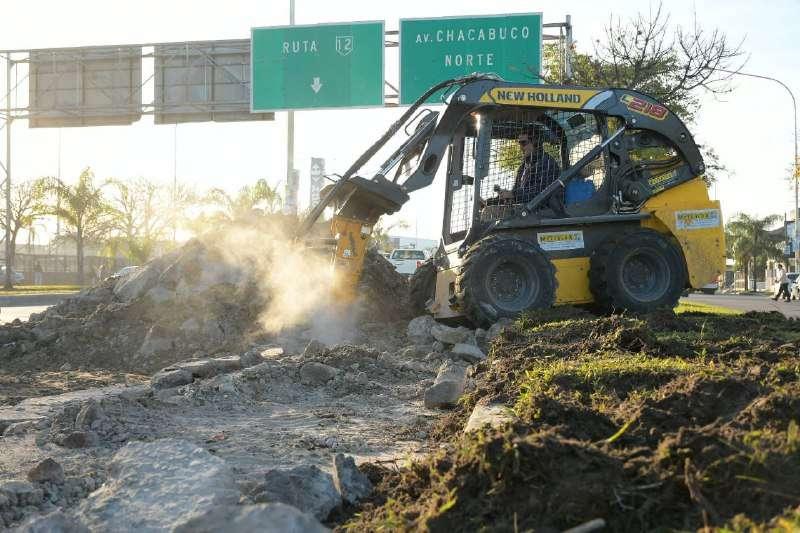 La Municipalidad continúa con los trabajos de bacheo en el Corredor Belgrano