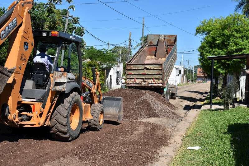 El enripiado de calles  continúa en distintos barrios de la Capital correntina