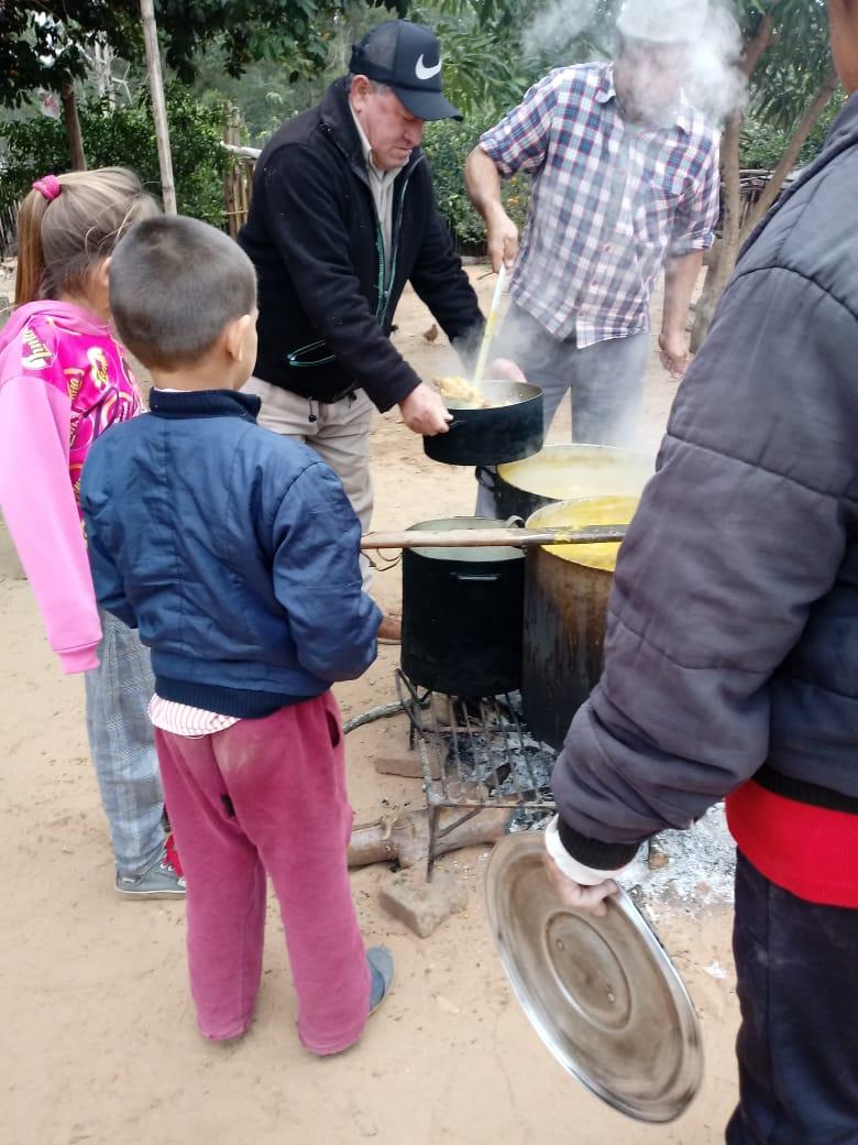 La provincia asiste con comida caliente a 2400 personas
