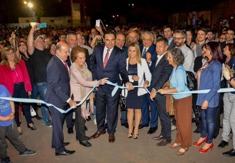 """Valdés participó de la apertura de la 9° edición de la Feria Provincial del Libro """"En Colectivo"""" 2019"""