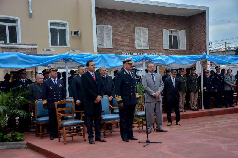 El gobernador Valdés participó en el aniversario de la Prefectura y reconoció la labor de la fuerza