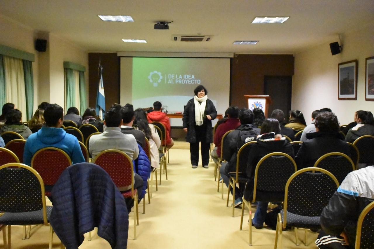 Jóvenes emprendedores correntinos se capacitan para trabajar en  proyectos innovadores