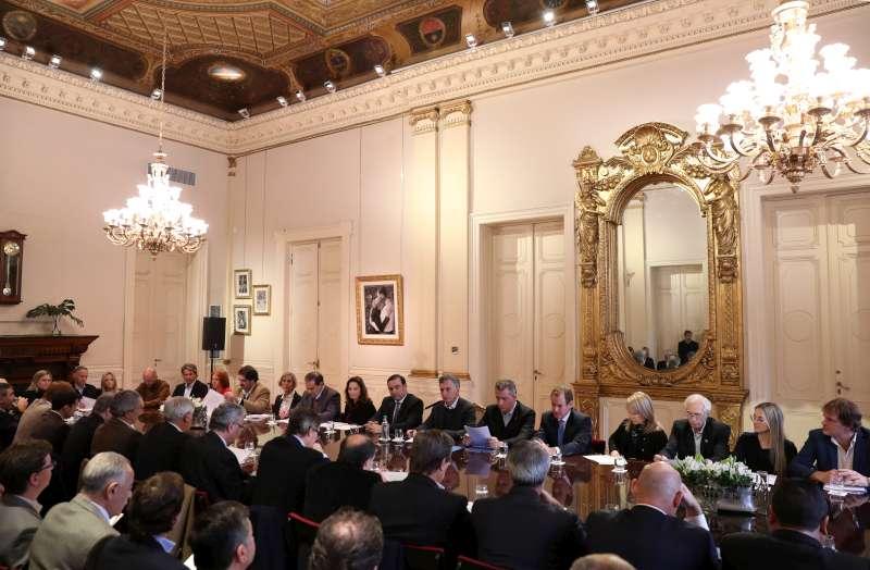 El gobernador Valdés participó en la Mesa Foresto-Industrial