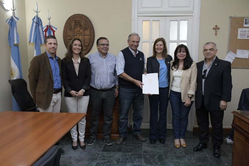 Municipio y FACENA trabajan en pos del reciclado y embellecimiento de la ciudad