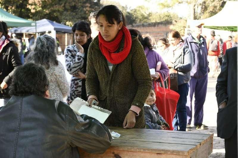 Delegaciones Móviles: vecinos del barrio Sapucay accedieron a múltiples servicios gratuitos