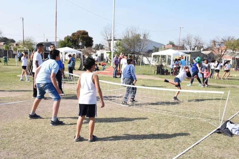 Unos 300 pequeños participaron de los Juegos Infantiles Municipales en el barrio Santa María