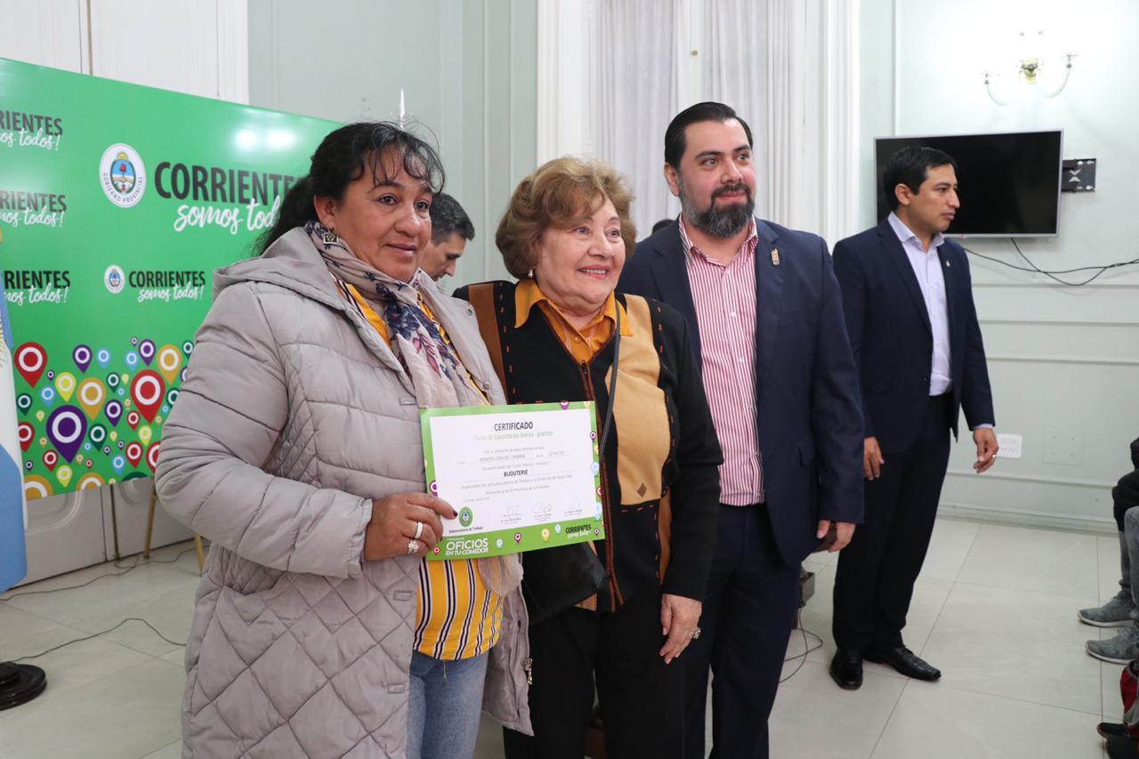 """""""Oficios en tu Comedor"""" es otra fuerte apuesta del Gobierno Provincial para generar salida laboral"""