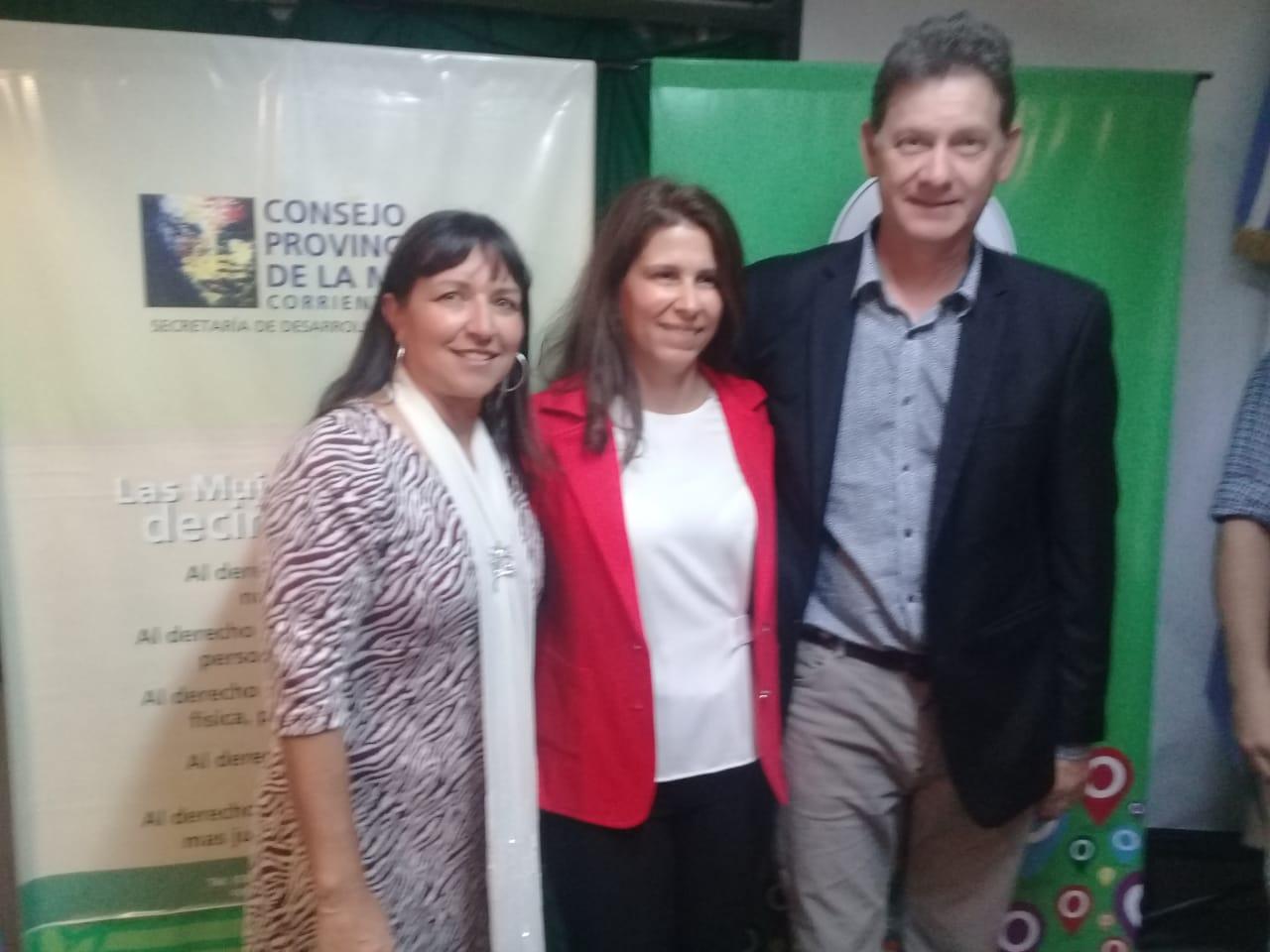 El Ministro Diógenes González puso en funciones a la nueva presidente del Consejo Provincial de la Mujer