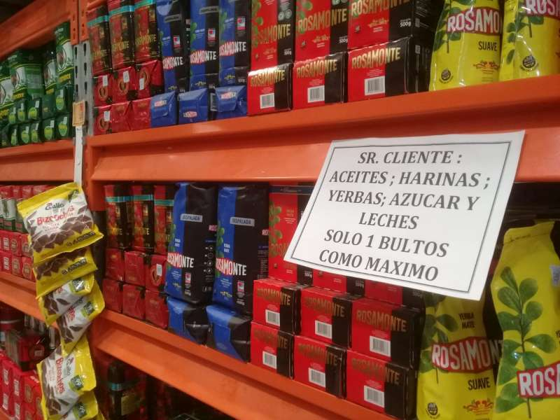 Controlan precios y presencia de productos de la canasta básica en supermercados