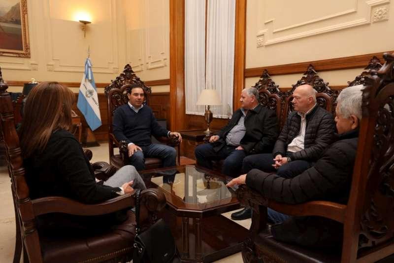 Valdés recibió a representantes de Luz y Fuerza, que fueron invitados a integrar una Mesa para políticas energéticas