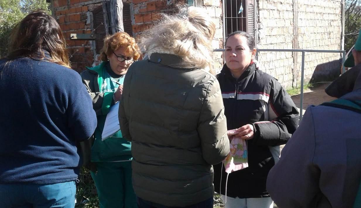Salud llegó al barrio Pirayuí con la modalidad casa por casa