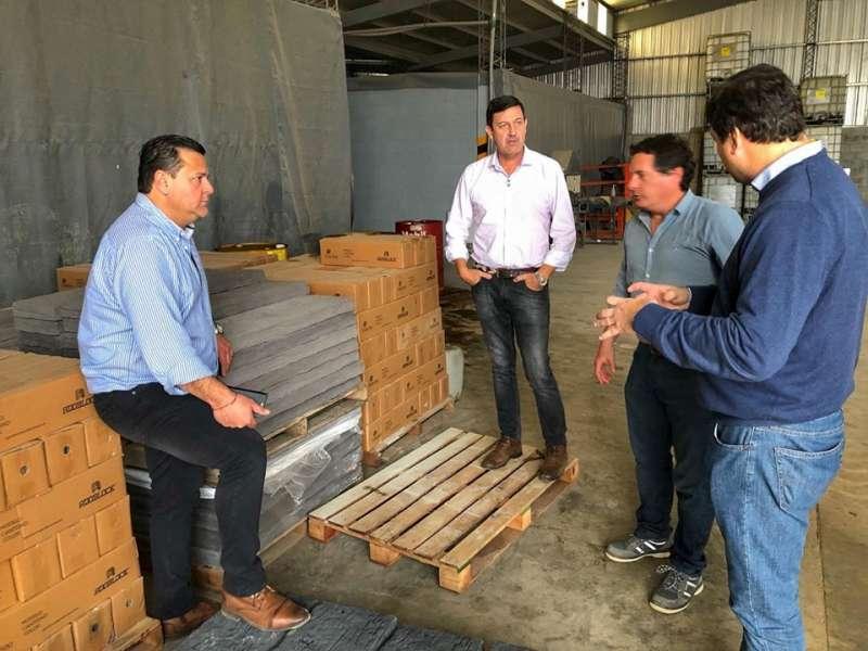 Schiavi visitó la planta de jugos y el parque industrial de Mocoretá