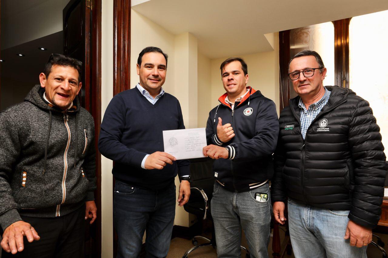 El Gobernador Gustavo Valdés aportó un subsidio para el Campeonato de Motocross