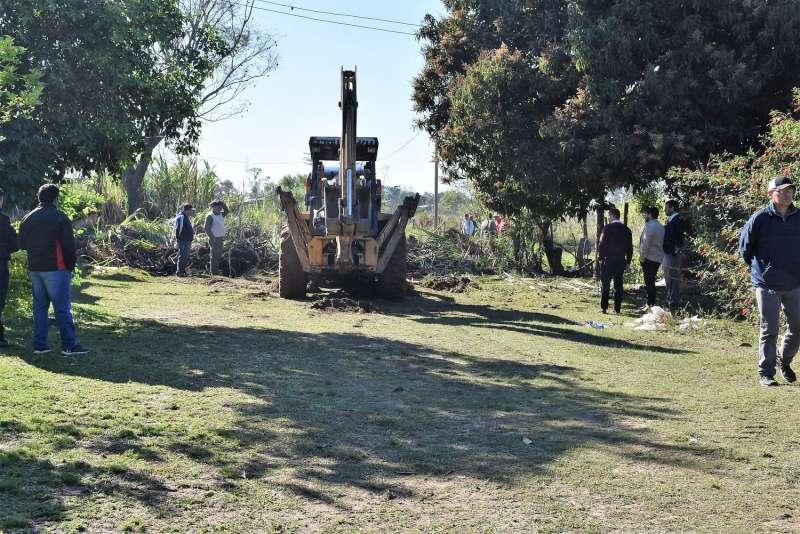 La Municipalidad realizó la apertura de calle en el barrio Sapucay