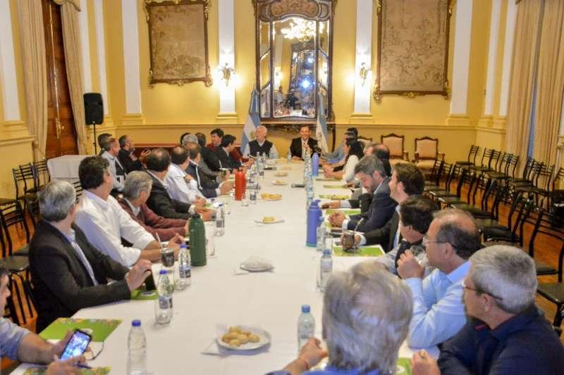 Comandados por Valdés, intendentes de ECO pisan el acelerador de la campaña