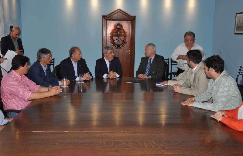 La Provincia firmó un acuerdo para trabajar en la producción de alimentos destinada a la población con bajos recursos